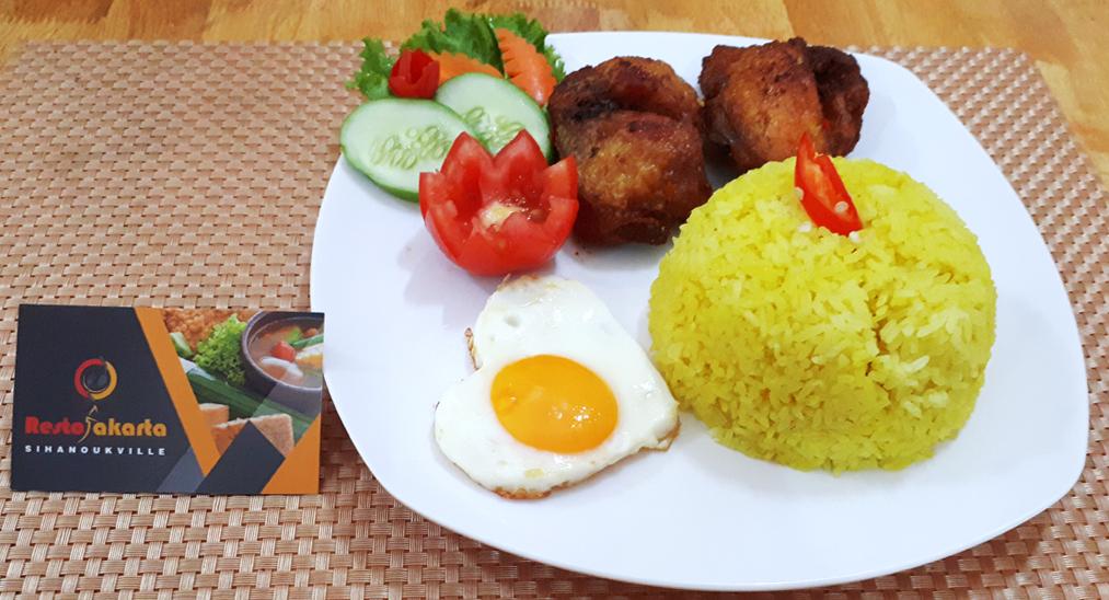 Nasi Kuning Ayam Goreng