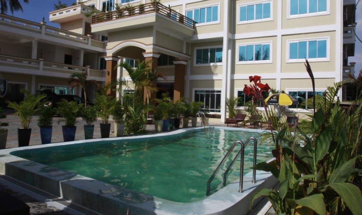 White Beach Hotel 2